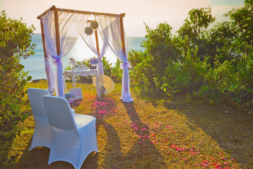 wedding arch at the beach